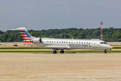American Eagle (Envoy Airlines), N529EA, CL600-2C10 CRJ-702ER, msn 10307, Photo by John A Miller, CLE, Image YE0006RGJM