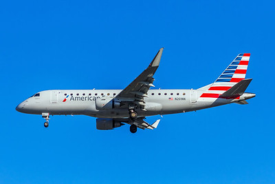 American Eagle, N201NN, ERJ-175LR, msn 17000461, Photo by John A Miller, LAX, Image YA019LAJM