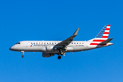 American Eagle, N202NN, ERJ-175LR (ERJ-170-200LR), msn 17000467, Photo by John A Miller, LAX, Image YA021LAJM, Operated by Compass Airlines