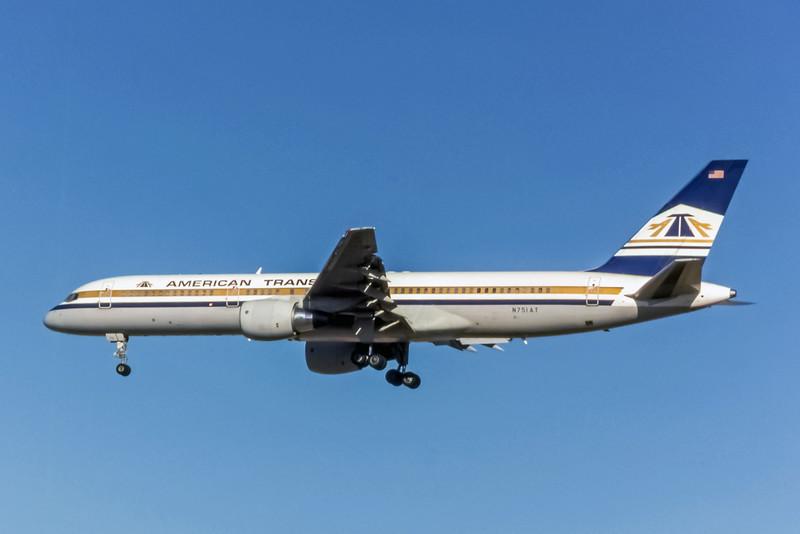 American Trans Air, N751AT, Boeing 757-212, msn 23125, Photo by Brian Peters, LAS, Image N042LABP