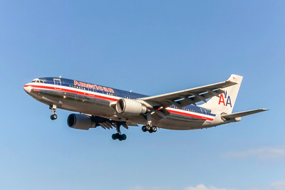 American Airlines, N7076A, Airbus A300F4-605R, msn 610, Photo by Allen Clegg, Image R016LAAL