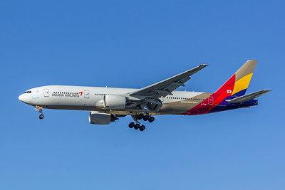 Asiana Airlines, HL7756, Boeing 777-28E(ER), msn 30860, Photo by John A Miller, LAX, Image PP025LAJM