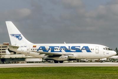 Avensa, YV-74C, Boeing 737-229(ADV), msn 20909, Photo by Bjoern Kannengiesser, Image J056RGBK