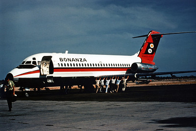 Bonanza Airlines, N948L, Douglas DC-9-14, msn 47049, Photo by Dean Slaybaugh, Image C061LGDS