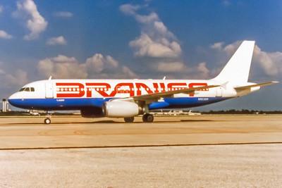 Braniff, N903BN, Airbus A320-231, msn 54, Photo by Tony Burke, MCO, Image T001LGTB