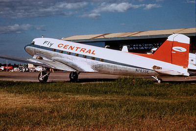Central Airlines, N287SE, Douglas DC-3A, msn 1951, Photo by Dean Slaybaugh, FTW, Image A014LGDS