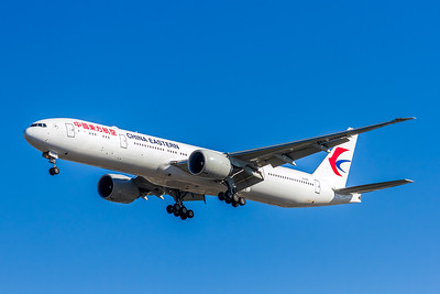 China Eastern Airlines, B-2001, Boeing 777-39P(ER), msn 43269, Photo by John A Miller, LAX, Image PP029LAJM