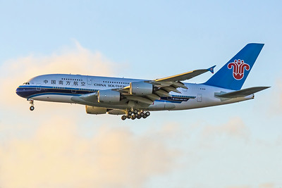 China Southern Airlines, B-6139, Airbus A380-841, msn 088, Photo by John A Miller, LAX, Image XA002LAJM