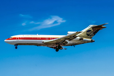 Continental, N40489, Boeing 727-22, msn 18854, Photo by Derek Hellman, Image I102LADH