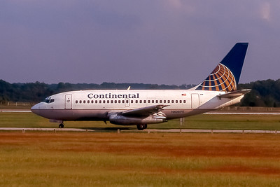 Continental Airlines, N408PE, Boeing 737-130, msn 19025, Photo by John A Miller, GSO, Image J069LGJM