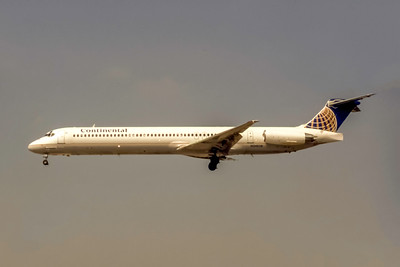 Continental Airlines, N34838, McDonnell Douglas MD-82, msn 49634, Photo by Joe Fernandez Collection, Image D085LAJF