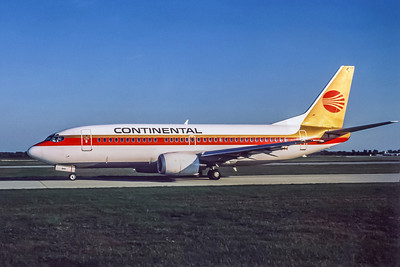 Continental Airlines, N17344, Boeing 737-3YTO, msn 23582, Photo by AP Cardadeiro, DTW, Image K007LGAC
