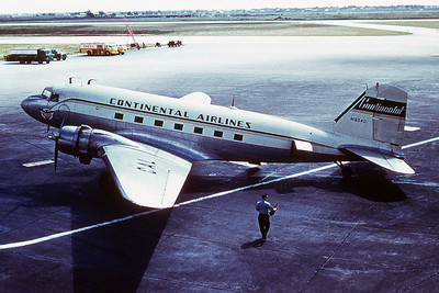 Continental  Airlines, N18940, Douglas DC-3, Photo by Dean Slaybaugh, Image A011LGDS