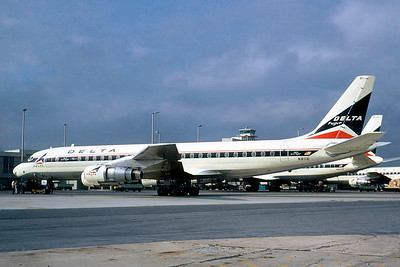 Delta Airlines, N811E, Douglas DC-8-51, msn 45672, Photo by Roger Bentley, Image B025LGRB