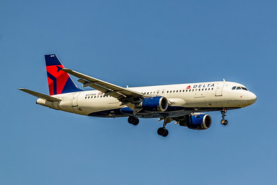 Delta Air Lines, N372NW, AIrbus A320-212, msn 1633, Photo by John A Miller, TPA, Image T153RAJM