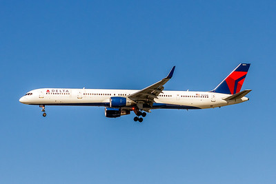 Delta Air Lines, N581NW, Boeing 757-351(WL), msn 32982, Photo by John A Miller, LAX, Image N112LAJM