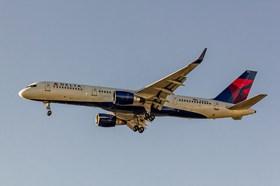 Delta Air Lines, N624AG, Boeing 757-2Q8(WL), msn 25624, Photo by John A MIller, LAX, Image  N120LAJM