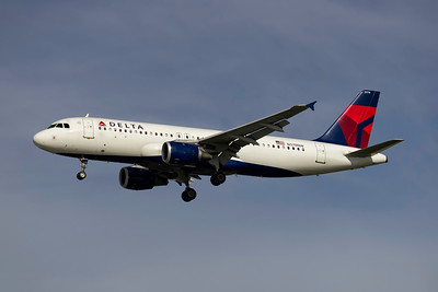 Delta Air Lines, N378NW, Airbus A320-212, msn 2092, Photo by John A Miller, TPA, Image  T058LAJM