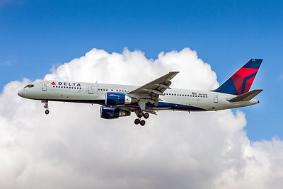 Delta Air Lines, N670DN, Boeing 757-232, msn 25331, Photo by John A Miller, TPA, Image N106LAJM