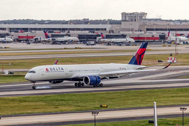 Delta Air Lines, N502DN, Airbus A350-941, msn 135, Photo by John A Miller, ATL, Image XB001LGJM