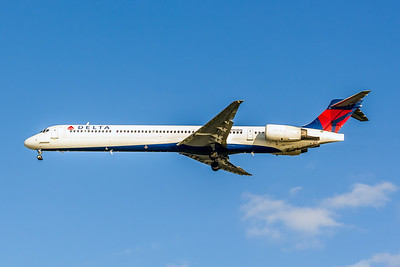 Delta Air Lines, N912DN, McDonnell Douglas MD-90-30, msn 53392, Photo by John A Miller, TPA, Image DA013LAJM