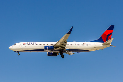 Delta Air Lines, N833DN, Boeing 737-932(ER)(WL), msn 31944, Photo by John A Miller, TPA, Image UA021LAJM
