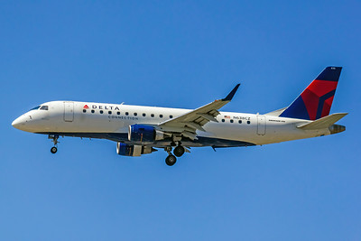 Delta Connection, N638CZ, ERJ-170-200 LR, msn 17000259, Photo by John A Miller, LAX, Image YA006LAJM