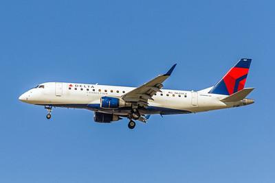 Delta Connection (Compass Airlines), N620CZ, ERJ-175LR, msn 17000214, Photo by John A Miller, LAX, Image YA010LAJM