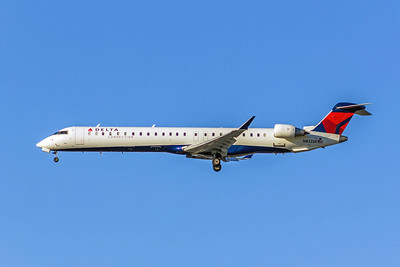 Delta Air Lines Connection, N823SK, CL-600-2D24 CRJ-900LR, msn 15205, Photo by John A Miller, LAX, Image YF002LGJM