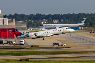Delta Connection, N979EV, CRJ-200ER, msn 47737, Photo by John A Miller, ATL, Image YY016RAJM
