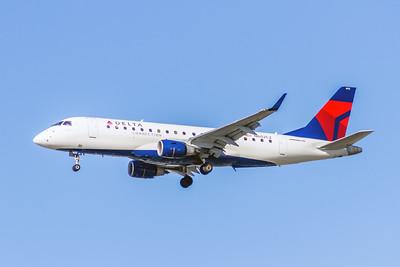 Delta Connection (Compass Airlines), N602CZ, ERJ-175LR (ERJ-170-200LR), msn 17000171, Photo by John A Miller, LAX, Image YA016LAJM