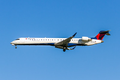 Delta Connection, N817SK, CL-600-2D24 CRJ-900LR, msn 15100, Photo by John A Miller, LAX, Image YF003LAJM