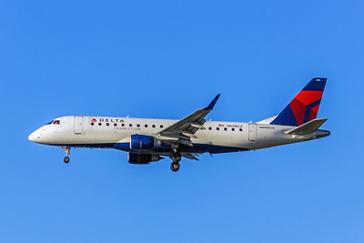 Delta Connection, N608CZ, ERJ-175LR (ERJ-170-200LR), msn 17000195, Photo by John A Miller, LAX, Image YA017LAJM