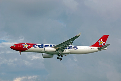 Edelweiss Airlines, HB-JHQ, Airbus A330-343X, msn 1193, Photo by John A. Miller, TPA, Image WW002LAJM