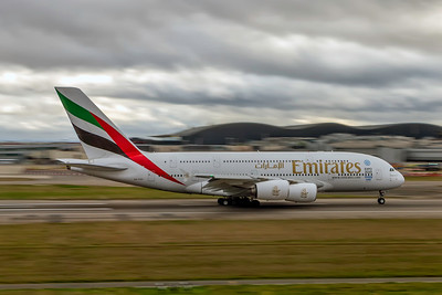 Emirates, A6-EDU, Airbus A380-861, msn 098, Photo by John A Miller, LHR, Image XA013RGJM