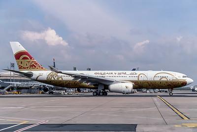 Gulf Air, A40-KF, Airbus A330-243, msn 340, Photo by David Birthwell, Image WA010RGDB