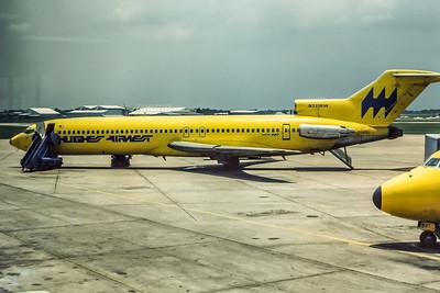 Hughes Airwest, N721RW, Boeing 727-2M7Adv, msn 21200, Photo by Roger Bentley, HOU, Image I052LGRB