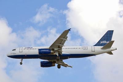 JetBlue Airways, N663JB, Airbus A320-232, msn 3287, Photo by John A. Miller, TPA, Image T071LAJM