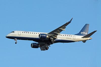 JetBlue Airways, N307JB, Embraer ERJ-190-100 IGW, msn 19000286, Photo by John A. Miller, TPA, Image YB002LAJM