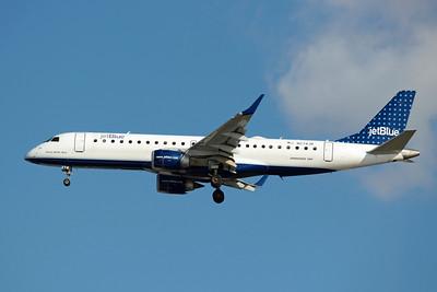 JetBlue Airways, N274JB, ERJ-190, msn 19000082, Photo by John A. Miller, TPA, Image YB001LAJM