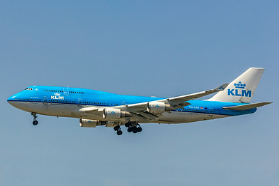 KLM Royal Dutch Airline, PH-BFR, Boeing 747-406(M), msn 27202, Photo by John A Miller, LAX, Image M082LAJM