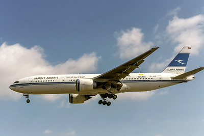 Kuwait Airways, 9K-AOB, Boeing 777-269(ER), msn 28744, Photo by David Birtwell, Image PP042LADB