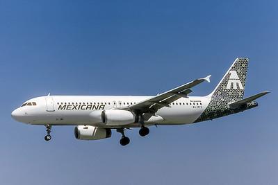 Mexicana, XA-RYS, Airbus A320-231, msn 230, Photo by Nigel Chalcraft, Image T007LANC
