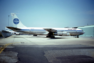 Pan Am, N433PA, Boeing 707-321B, msn 19364, Photo by Roger Bentley, JFK, Image H012RGRB