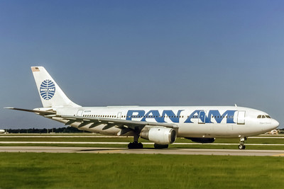 Pan Am, N212PA, Airbus A300B4-203, msn 208, Photo by Bjoern Kannengiesser, Image R011RGBK