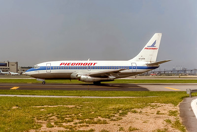 Piedmont Airlines, N745N, Boeing 737-201, msn 20214, Photo by Photo Enrichments Collection, Image J188LGJC