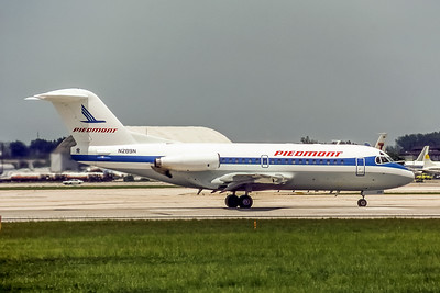 Piedmont Airlines, N289N, F28-1000, msn 11064, Photo by Dean Slaybaugh, Image F013RGDS