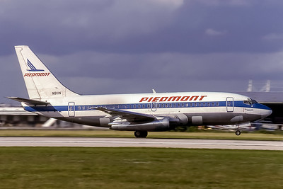 Piedmont Airlines, N811N, Boeing 737-201(ADV), msn 22869, Photo by Doug Corrigan, Image J128RGDC