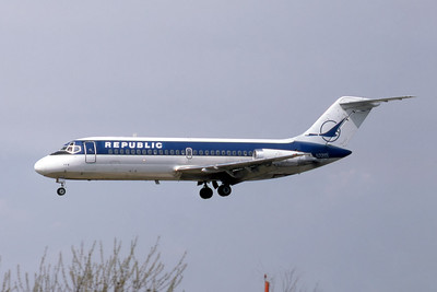 Republic Airlines, N3310L, Douglas DC-9-14, msn 45705, Photo by Photo Enrichments Collection, MKE, Image C115LAJC