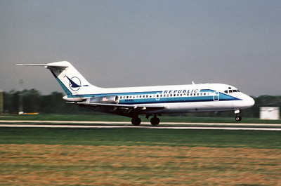 Republic Airlines, N948L, Douglas DC-9-14, msn 47049, Photo by Andrew Abshier, Image C009RGAA